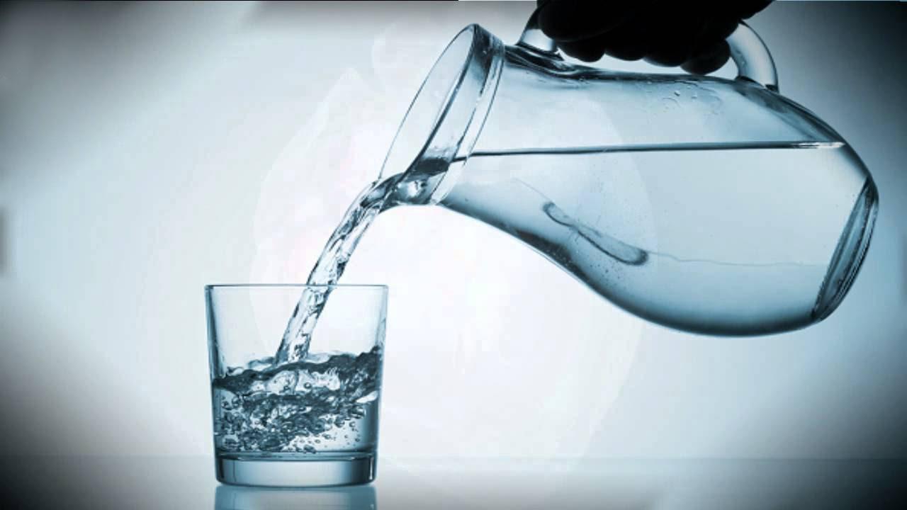 Как правильно пить воду во время похудения